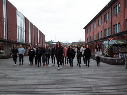 ueber-uns-team-2 Visions4Children