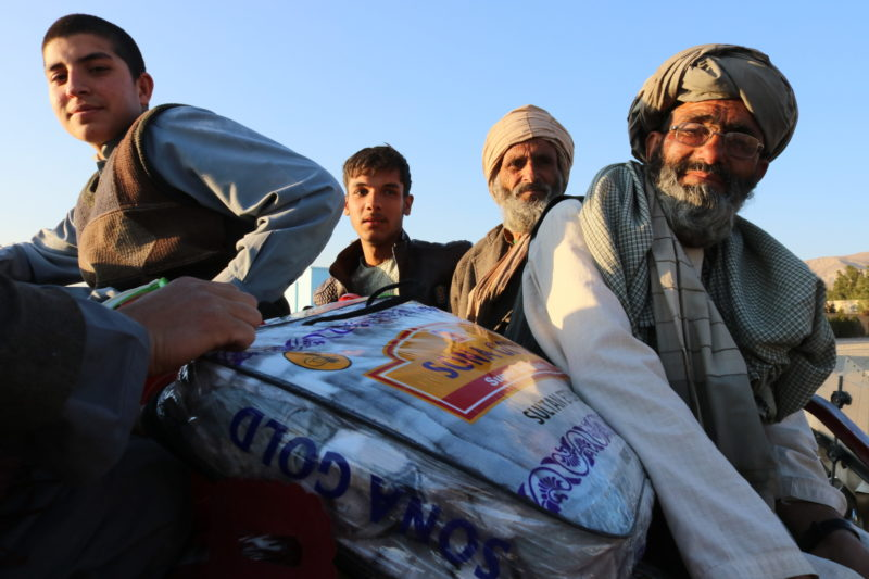 Winter Relief Campaign 2019 – warmth for Herat and Kabul -  Visions4Children